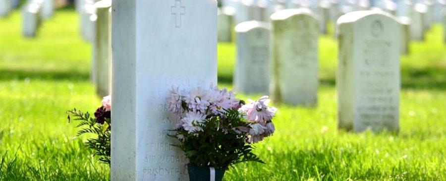 Fotos para túmulos em porcelana ajudam a preservar memórias